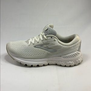 "Brooks Adrenaline GTS 19 - ""Pure Ghost""- Size 8.5"